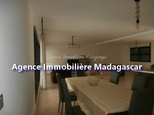 mahajanga-location-appartement-standing-3.jpg