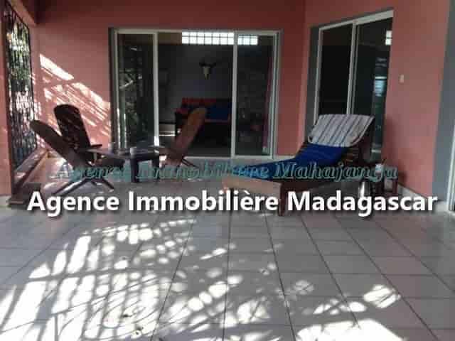 ansahabingo-mahajanga-location-villa-2-min.jpg