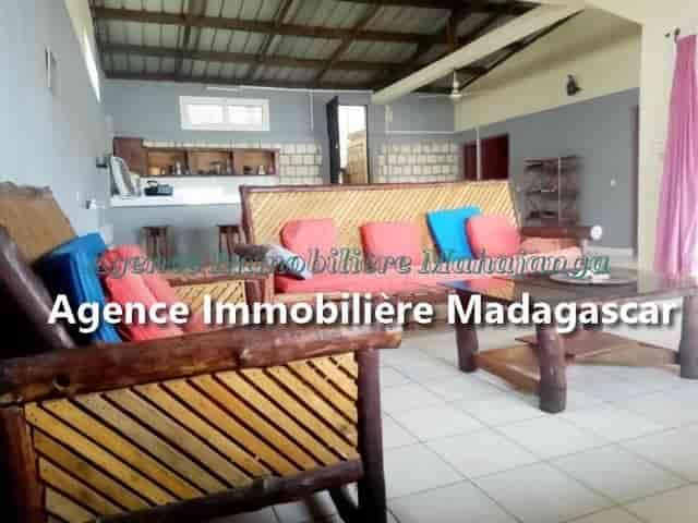 ansahabingo-mahajanga-location-villa-4-min.jpg
