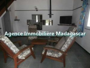 mahajanga-villa-de-location-3-min.jpg