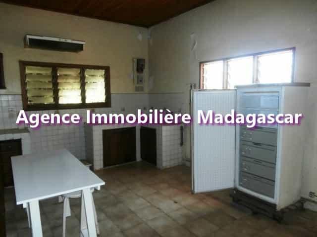 villa-a-vendre-de-mahajanga-1-min.jpg