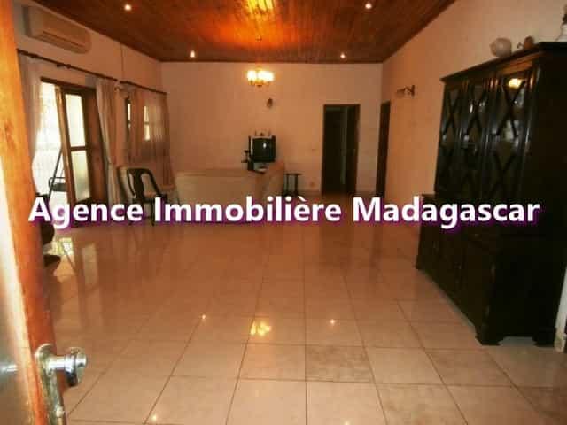 villa-a-vendre-de-mahajanga-4-min.jpg