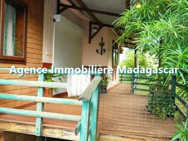villa-meublee-location-route-ramena-2-min.jpg