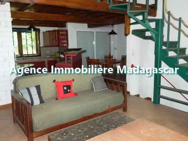 villa-meublee-location-route-ramena-5-min.jpg