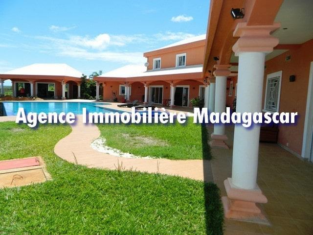 villa-piscine-diego-suarez