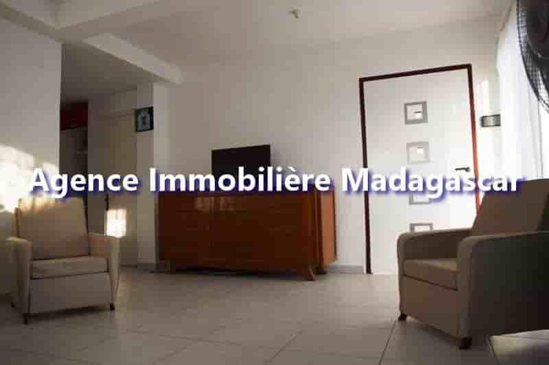 appartement-vacances-mahajanga-2-min.jpg