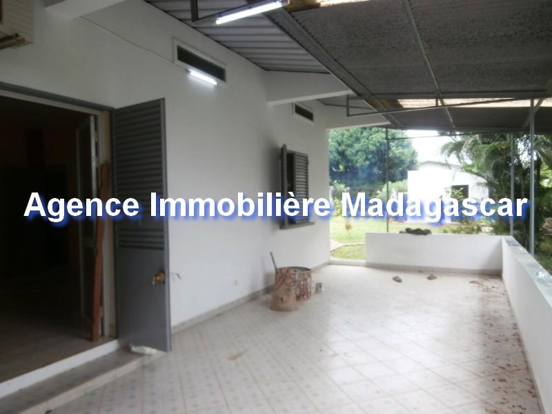 location-vente-villa-mahajanga-1.jpg