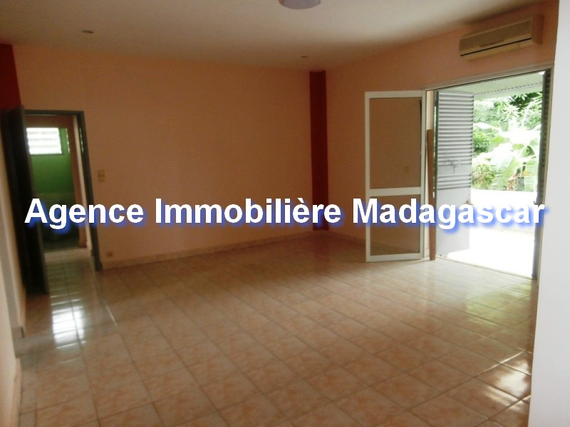 location-vente-villa-mahajanga-5.jpg
