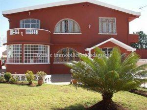 location-villa-standing-antananarivo-2.jpg