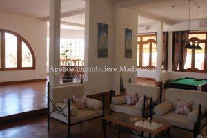 location-villa-standing-antananarivo-3.jpg