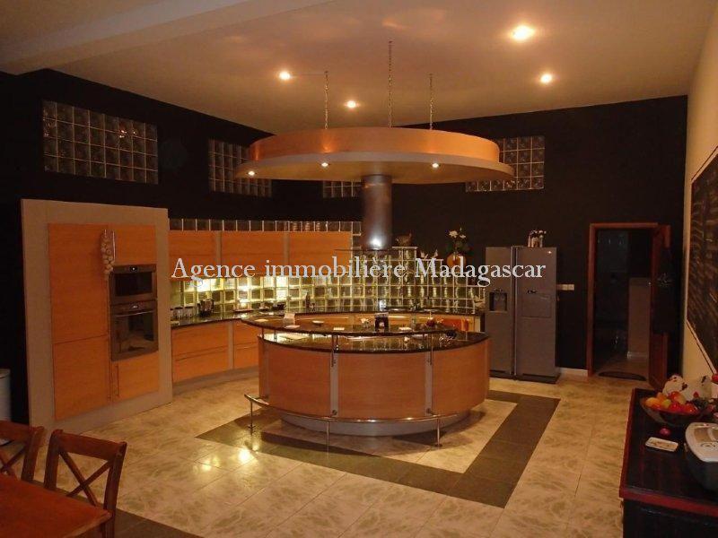 location-villa-standing-antananarivo-5.jpg