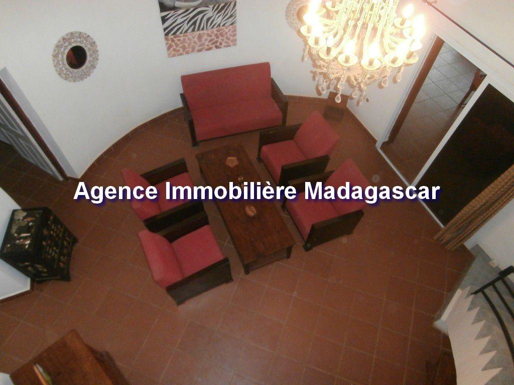 amborovy-location-villa-meublee -piscine-5.jpg