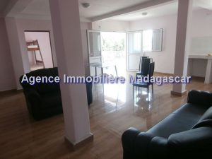 mahajanga-appartements-location-1.jpg