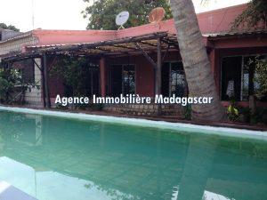 mahajanga-location-villa-piscine-1.jpg