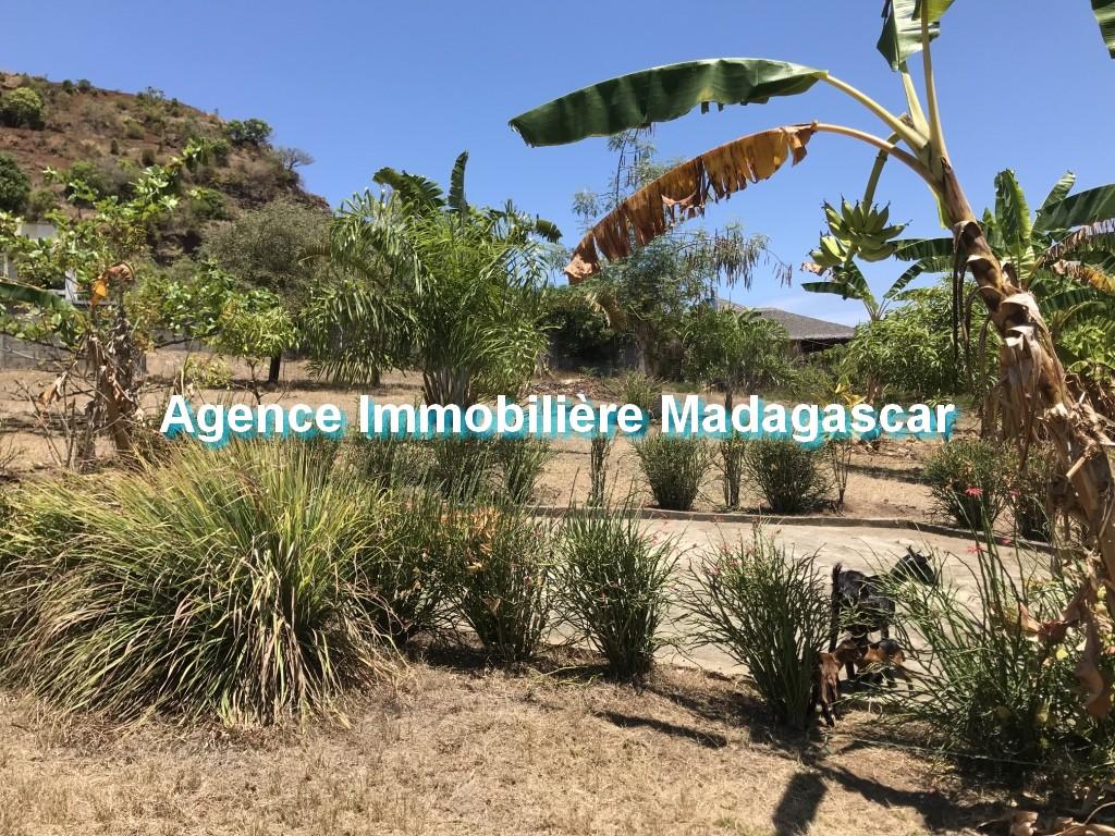 vente-terrain-quartier-residentiel-madirokely-1.jpg