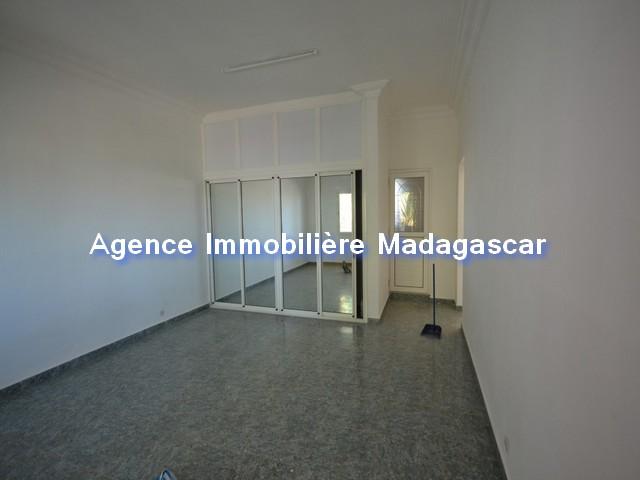 bel-appartement-de-200-renove-4.jpg
