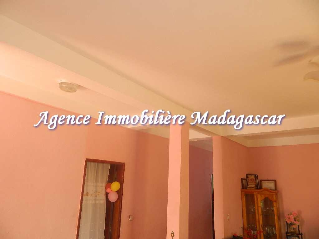 appartement-diego-ambalavola-3.JPG