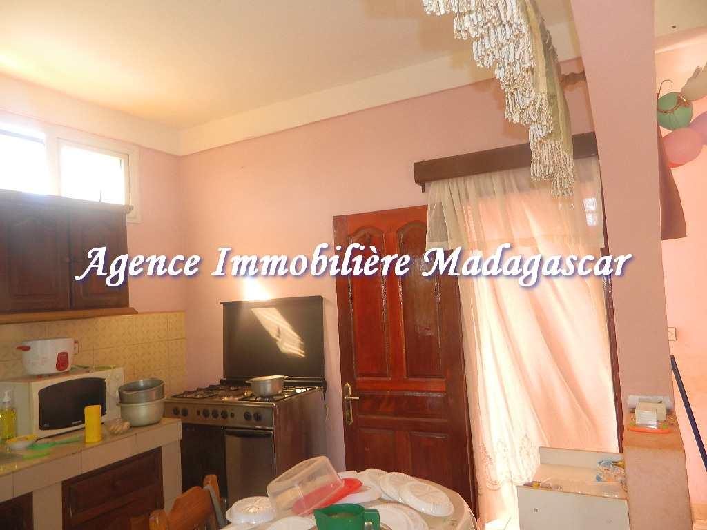 appartement-diego-ambalavola-4.JPG