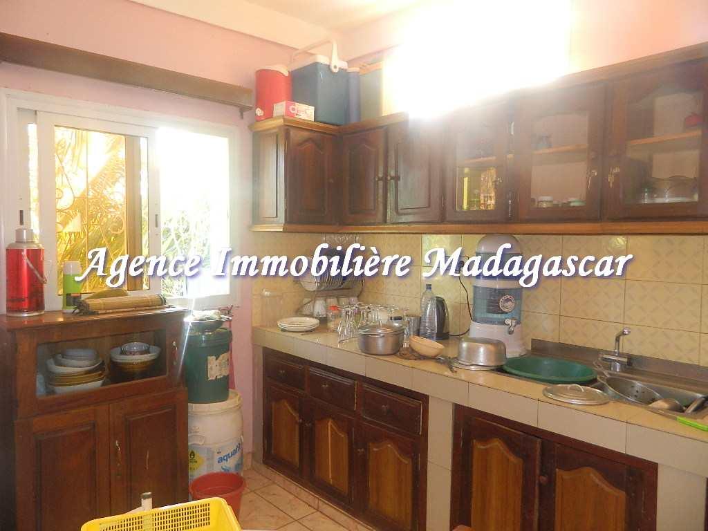 appartement-diego-ambalavola-5.JPG