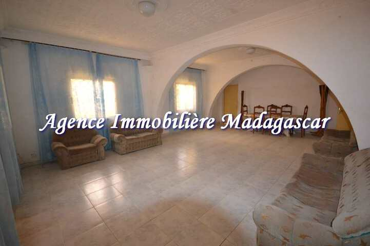 vente-mahajanga-grande-villa-4.jpg