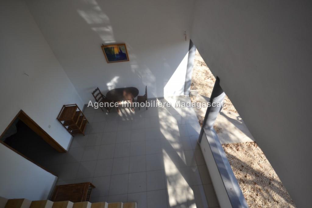 location-mahajanga-amborovy-villas-neuves-3.jpg