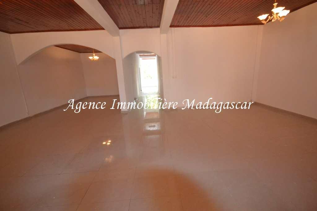 location-villa-neuve-ambondrona-mahajanga-5.jpg