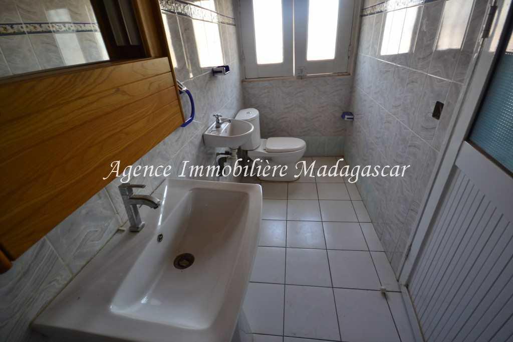 mahajanga-location-appartement-tsararano-2.jpg