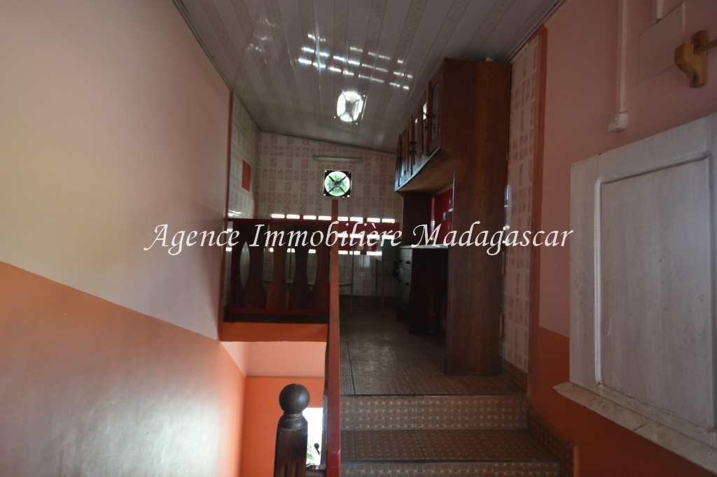 mahajanga-location-appartement-tsararano-5.jpg