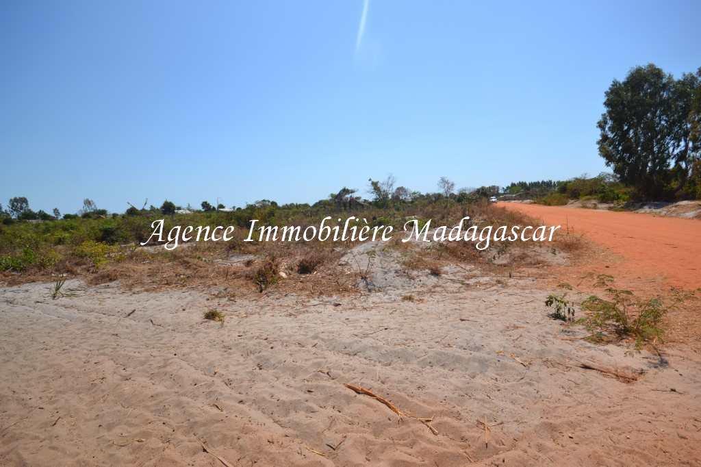 vente-terrain-antsanitia-mahajanga-4.jpg