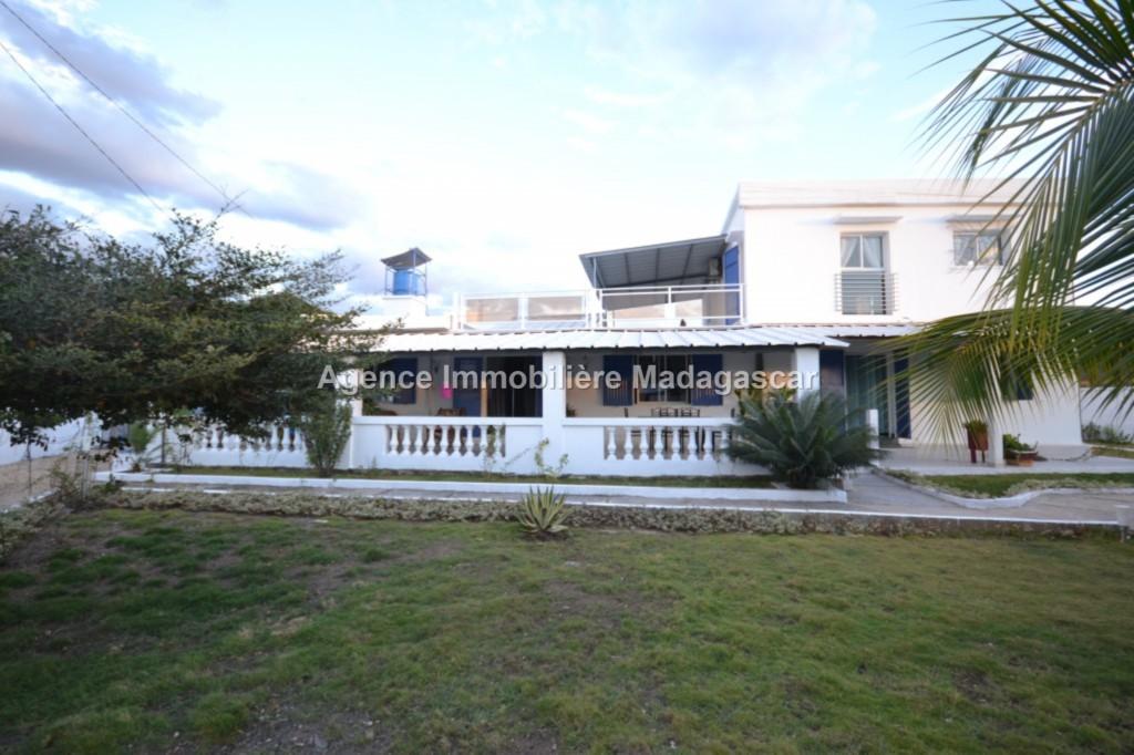 vente-villa-meublee-amborovy-mahajanga-1.jpg