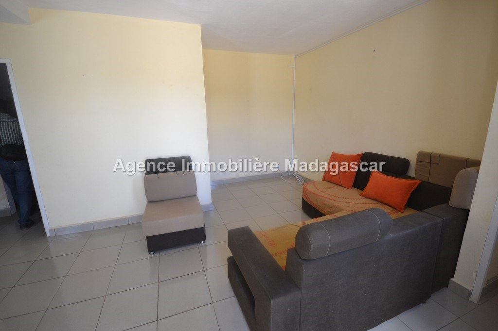 appartement-location-mangarivotra-mahajanga-2.jpg