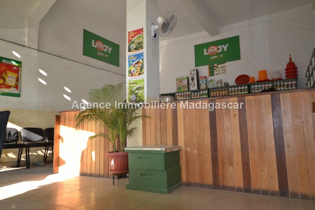 mahajanga-aranta-location-local-commercial.jpg