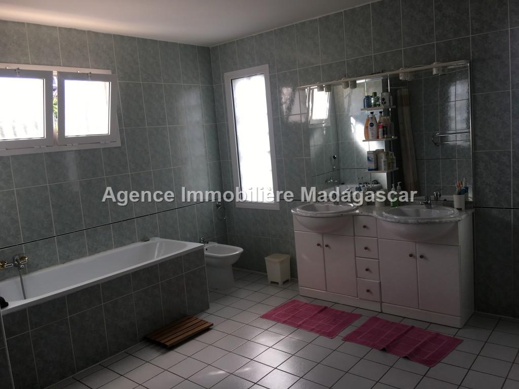 vente-villa-a-etage-5.jpg