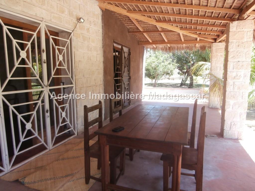 villa-meublee-en-location-4.jpg