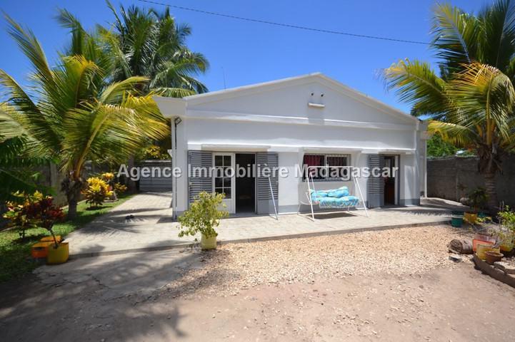 villa-neuf-en-location-1.jpg