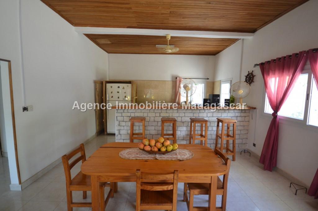 villa-neuf-en-location-3.jpg