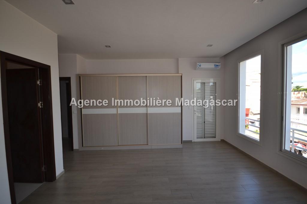 location-appartement-lumineux_0028.jpg