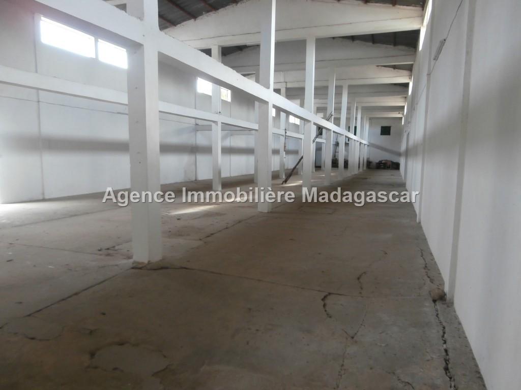 location-depots-avec-habitation-02.jpg